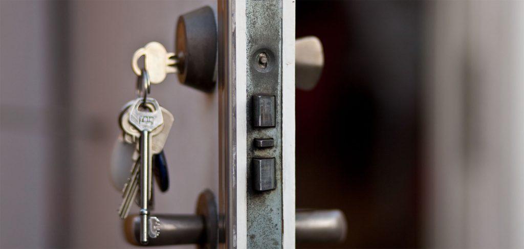 Kırıkkale Çelebi anahtar, kapı açma, kasa açma, oto anahtarı, oto kapısı açma, oto kumanda, immobilizer anahtarcı yapımı konusunda hizmetlerimiz bulunmaktadır.